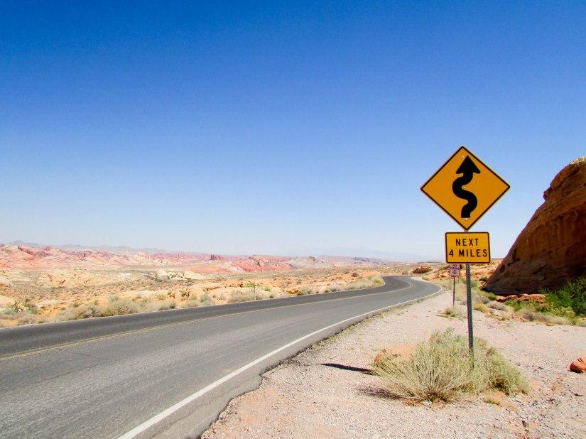 road-nevada-paysage-desert-valleyoffire-usa-westcoast