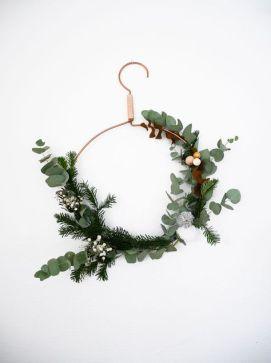 cintre-couronne-fleurs-noel-pinterest